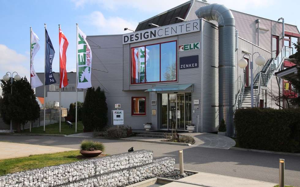 In unserem Designcenter präsentieren wir alle Themen rund um Außengestaltung, Innengestaltung und Haustechnik. Unsere Interieur-Designer freuen sich darauf, mit Ihnen gemeinsam Ihr persönliches Zuhause zu gestalten.