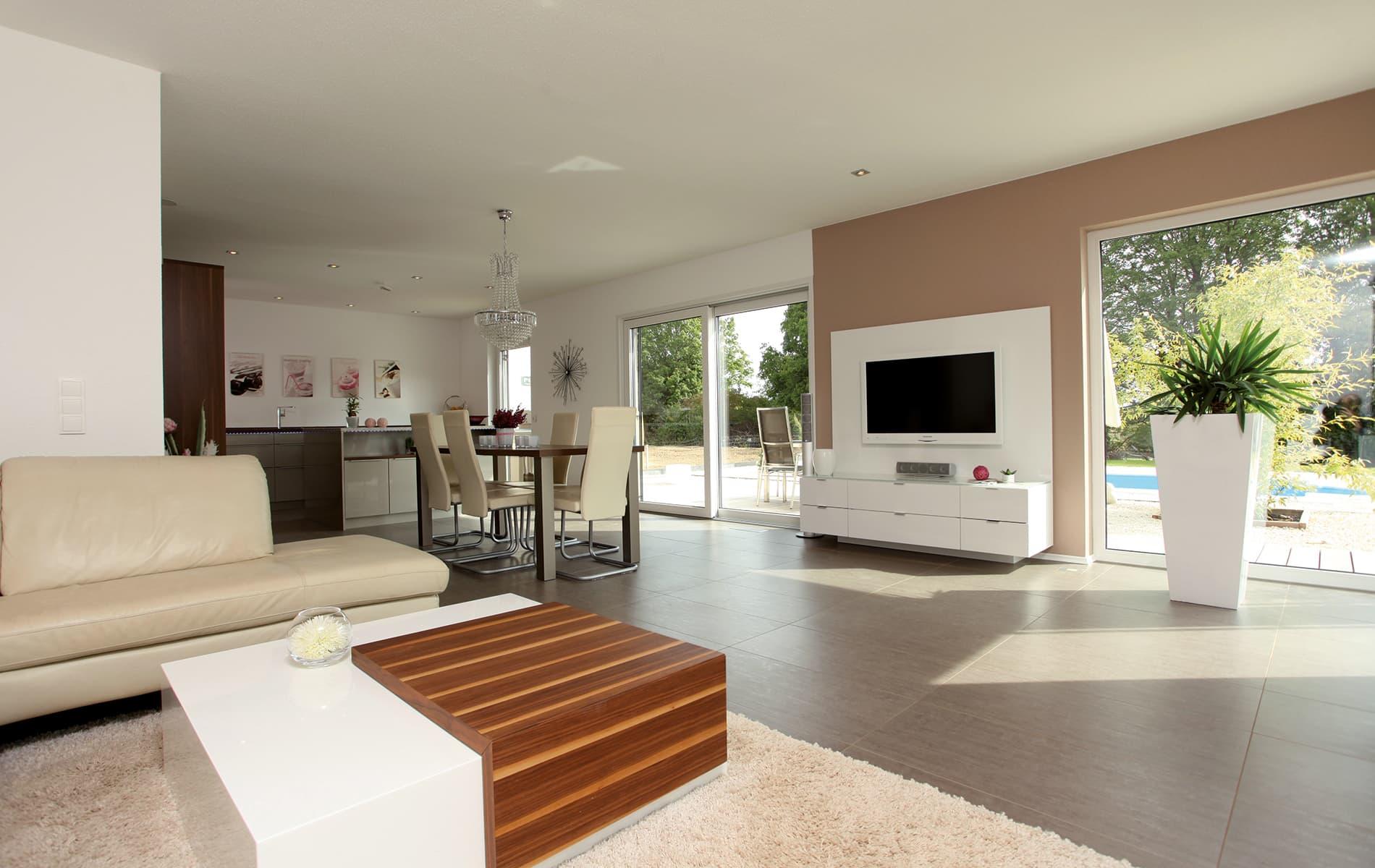 VIO - Wohnzimmer und Essbereich