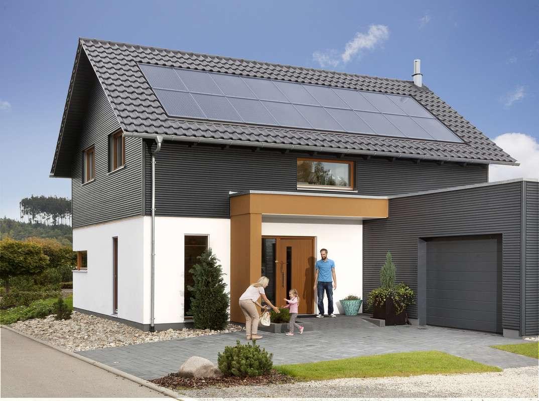 Klassisches Einfamilienhaus mit Satteldach