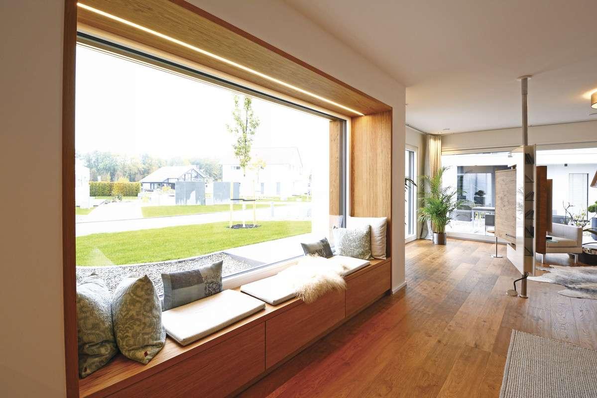 Fenster mit Gartenansicht