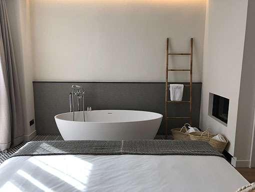 eine freistehende badewanne kaufen wohnideen magazin. Black Bedroom Furniture Sets. Home Design Ideas