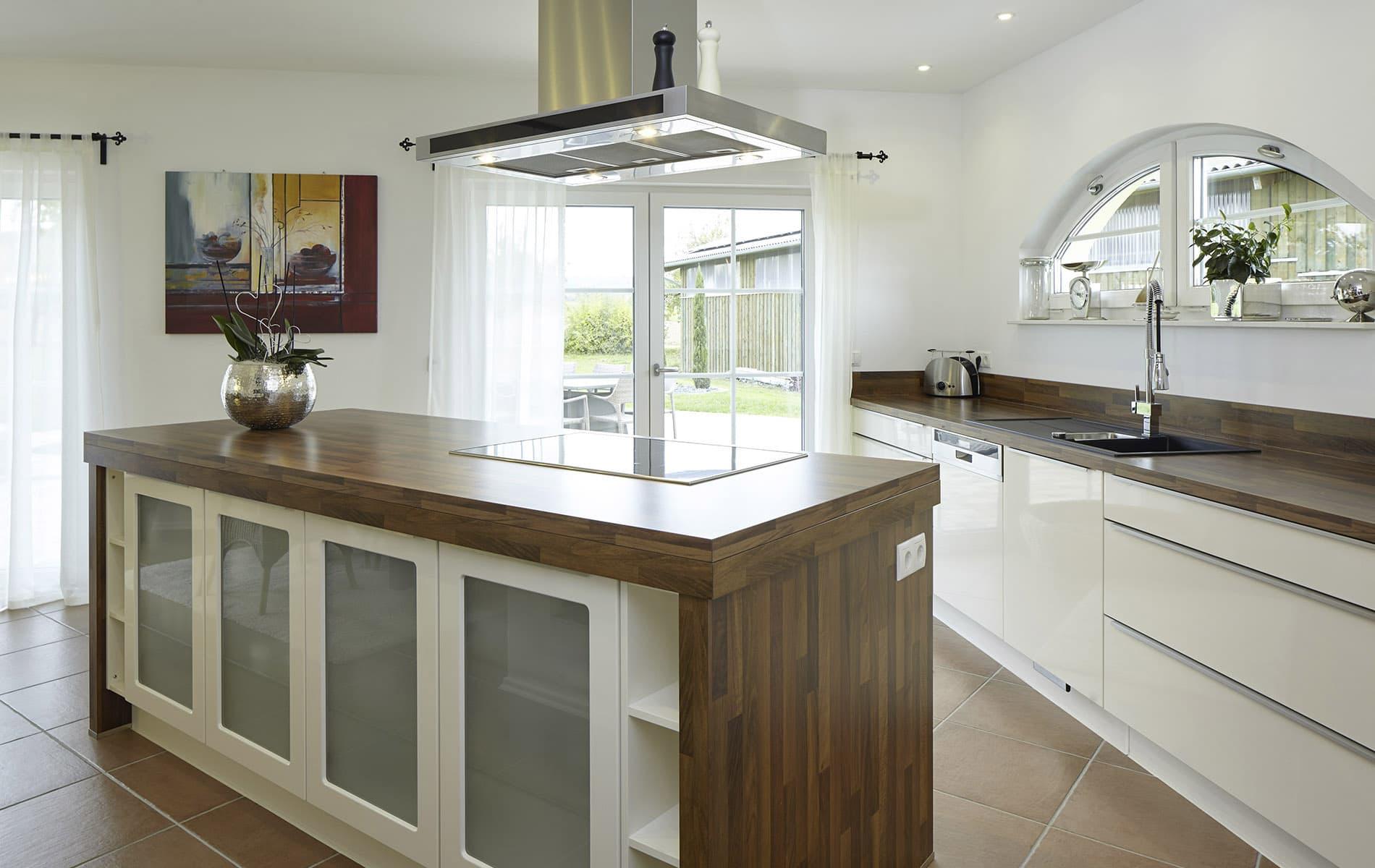 Viel Arbeitsfläche in der Küche