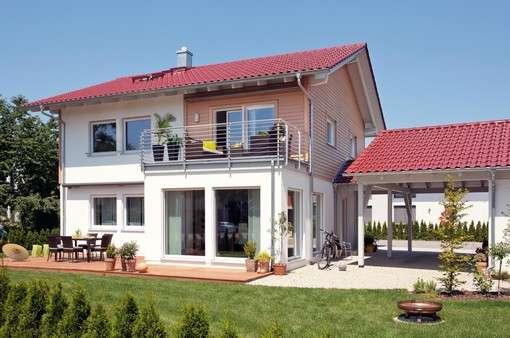 Klassisches Familienhaus mit Satteldach