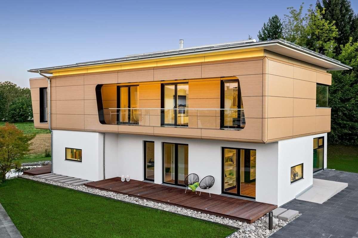 Die Fassade Ist Abgerundet U2013 Durch Eine Wartungsfreie, Licht Echte Fassade  In Holzoptik,