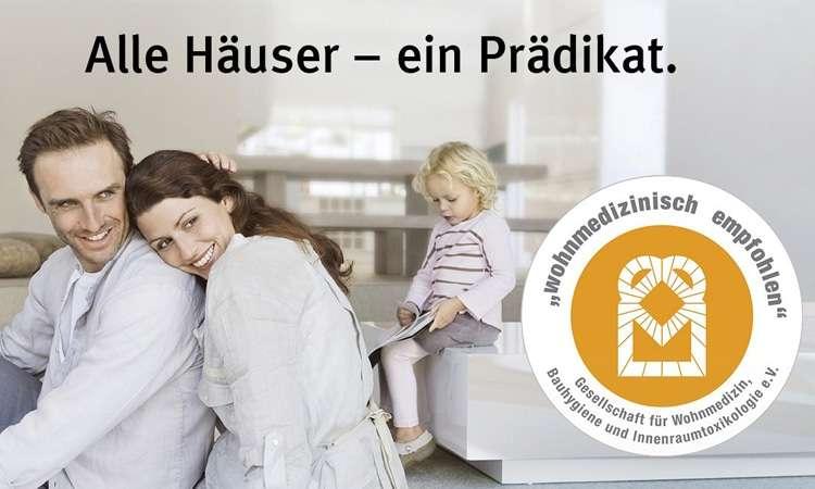 """Weber-Häuser werden wohnmedizinisch empfohlen. Wer sich für ein Fertighaus von WeberHaus entscheidet, kann sich auf ausgezeichnete Raumluftqualität freuen. Wir sind das erste Unternehmen, das die Zertifizierung """"wohnmedizinisch empfohlen"""" für alle Häuser erhalten hat."""