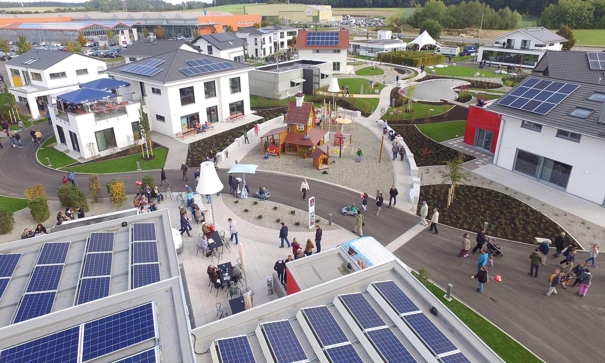FertighausWelt - Musterhauspark von oben