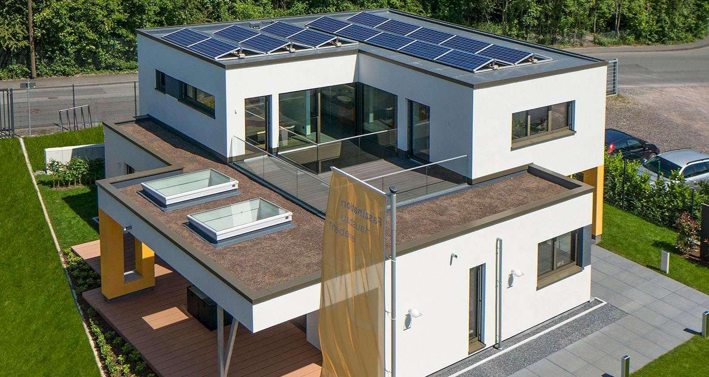 Ein fertighaus mit flachdach inspiration f r mehr wohnraum for Haus modern flachdach