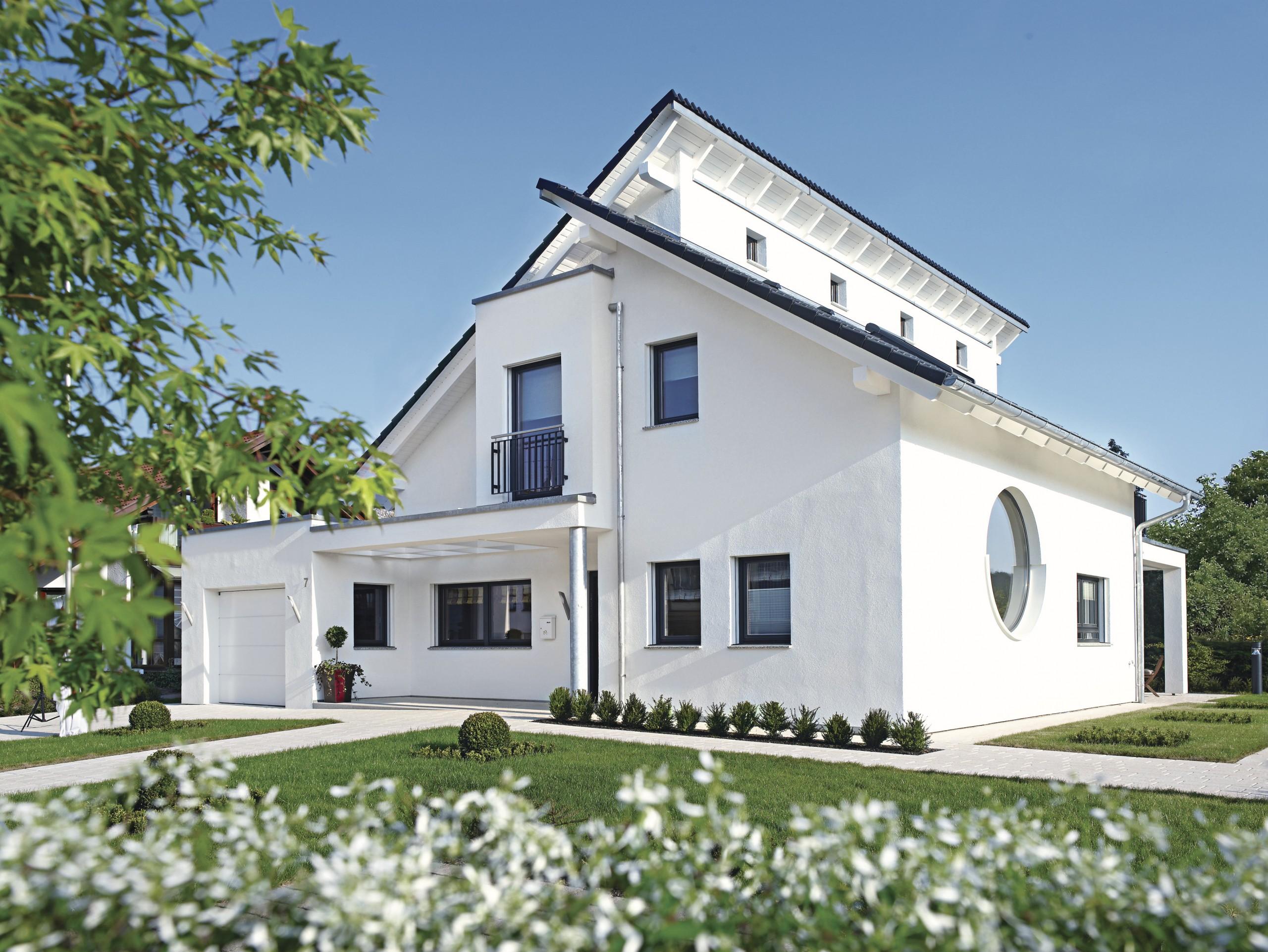 Weberhaus musterhaus wadern nunkirchen for Hausformen in deutschland