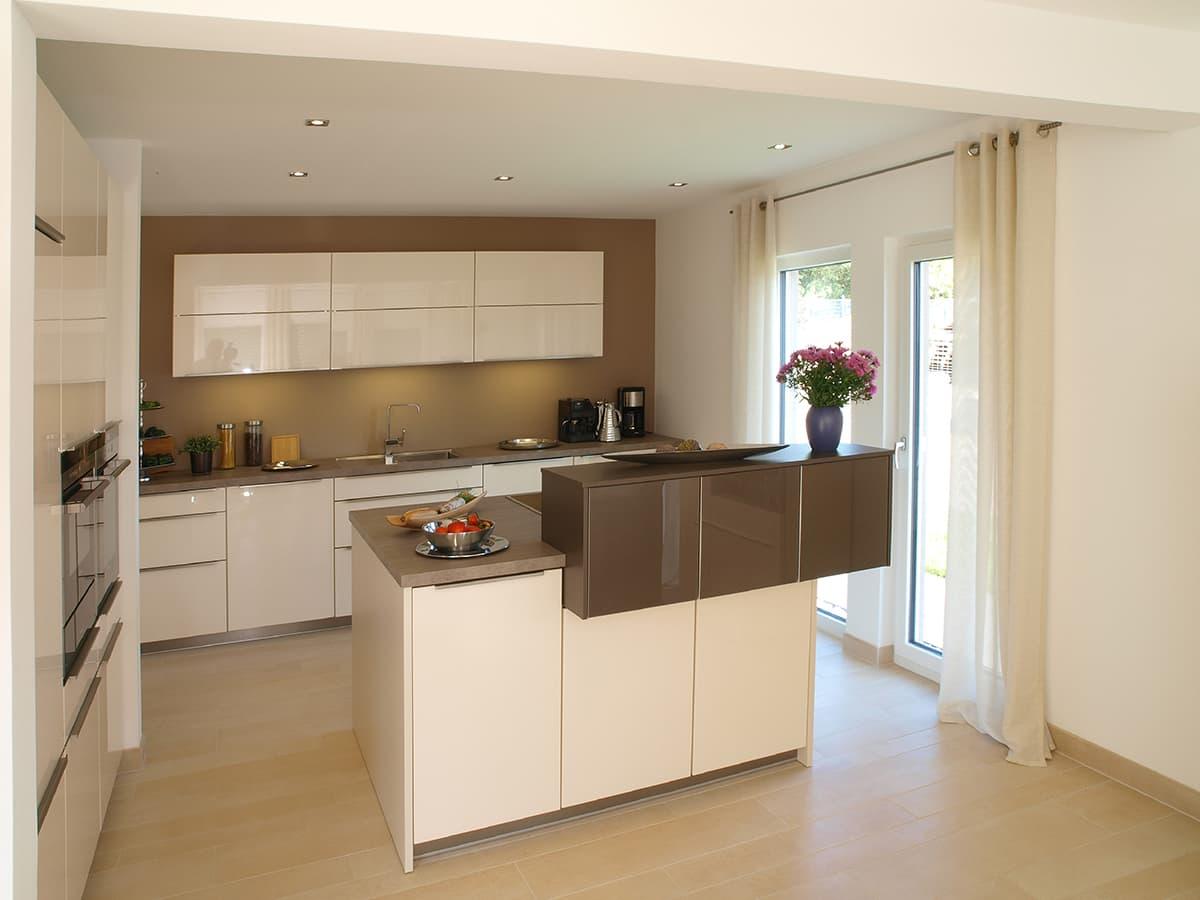 Stylische Küche mit Kochinsel