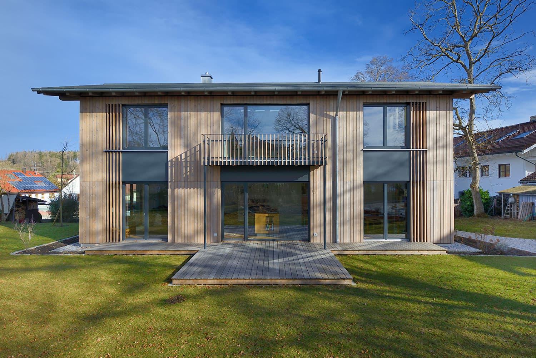 ETWAS GANZ BESONDERES - Mit vielen besonderen architektonischen Details. Die moderne Architektur begeistert durch viele besondere architektonische Details.