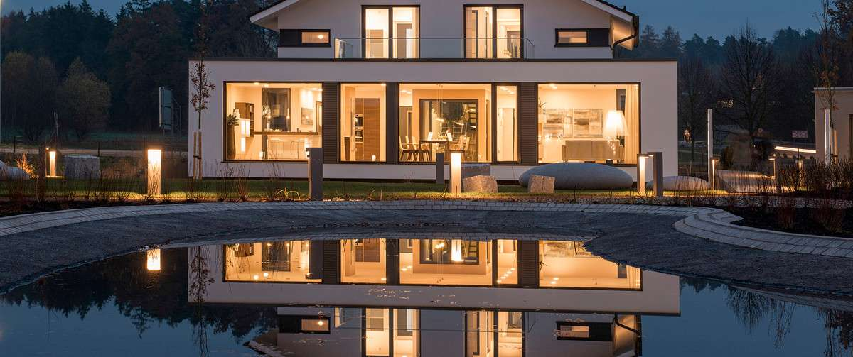 Klassisch Moderne Häuser
