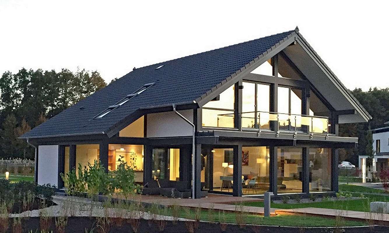 meisterst ck haus musterhaus in g nzburg fertighaus. Black Bedroom Furniture Sets. Home Design Ideas
