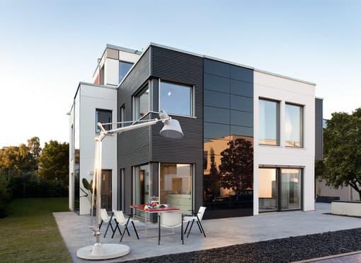 Modernes Haus im Bauhausstil