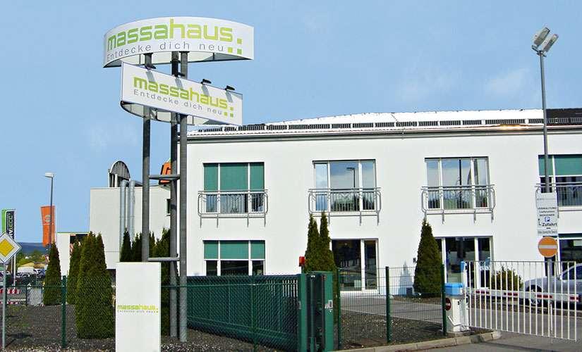 Seit vielen Jahren ist massa haus die Nummer eins im Fertighaus-Sektor, jedes vierte deutsche Fertighaus stammt aus unserem Werk.