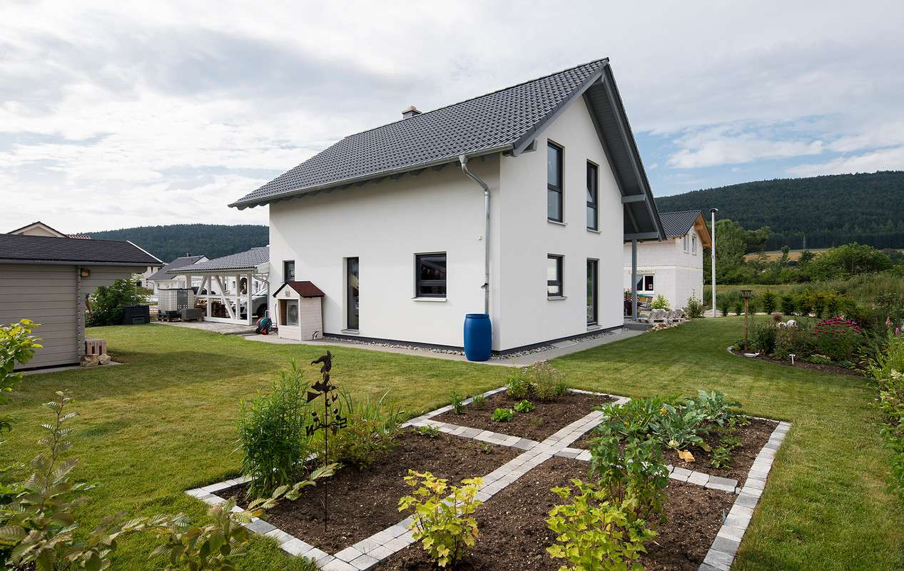 <p><strong>Traumhaus aus Holz</strong></p>