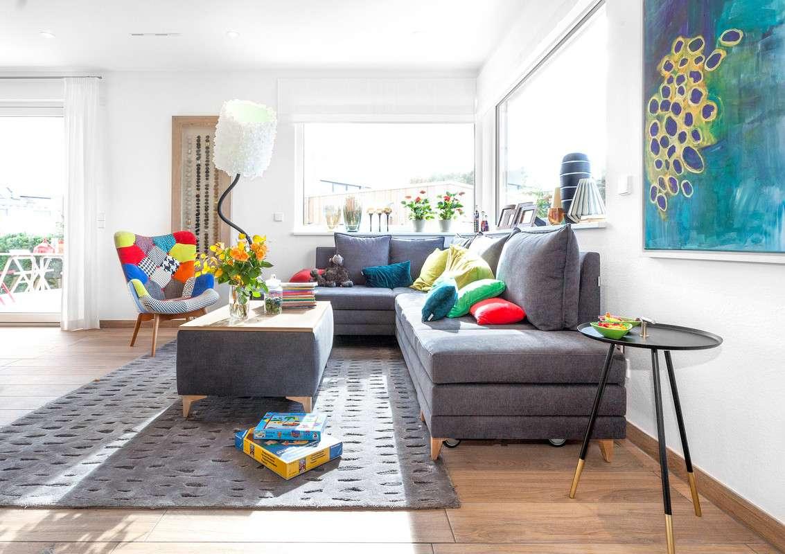 Wohnzimmer mit modernem Ecksofa