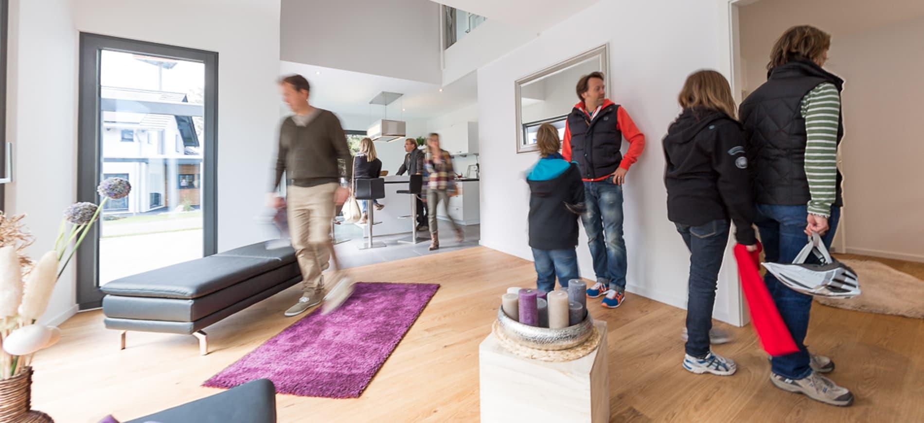 Musterhausausstellung unger park leipzig for Hausformen in deutschland