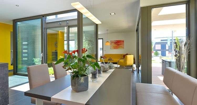 <p><strong>Plus-Energie-Haus mit faszinierenden Raffinessen.</strong></p>