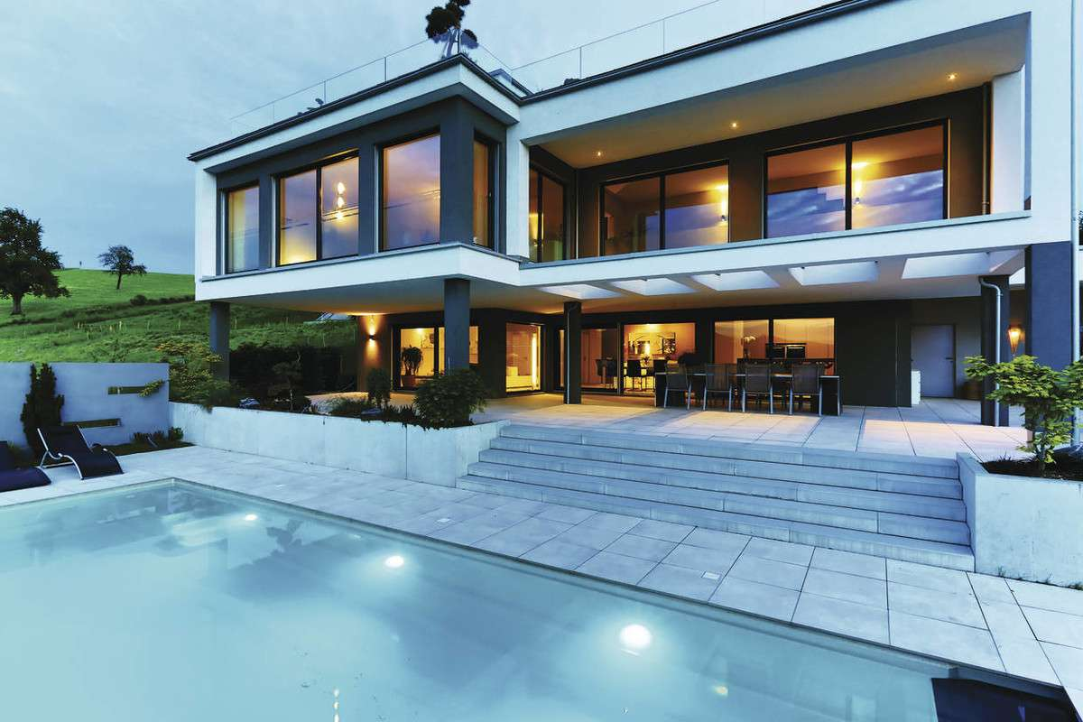 Terrasse mit Swimmingpool
