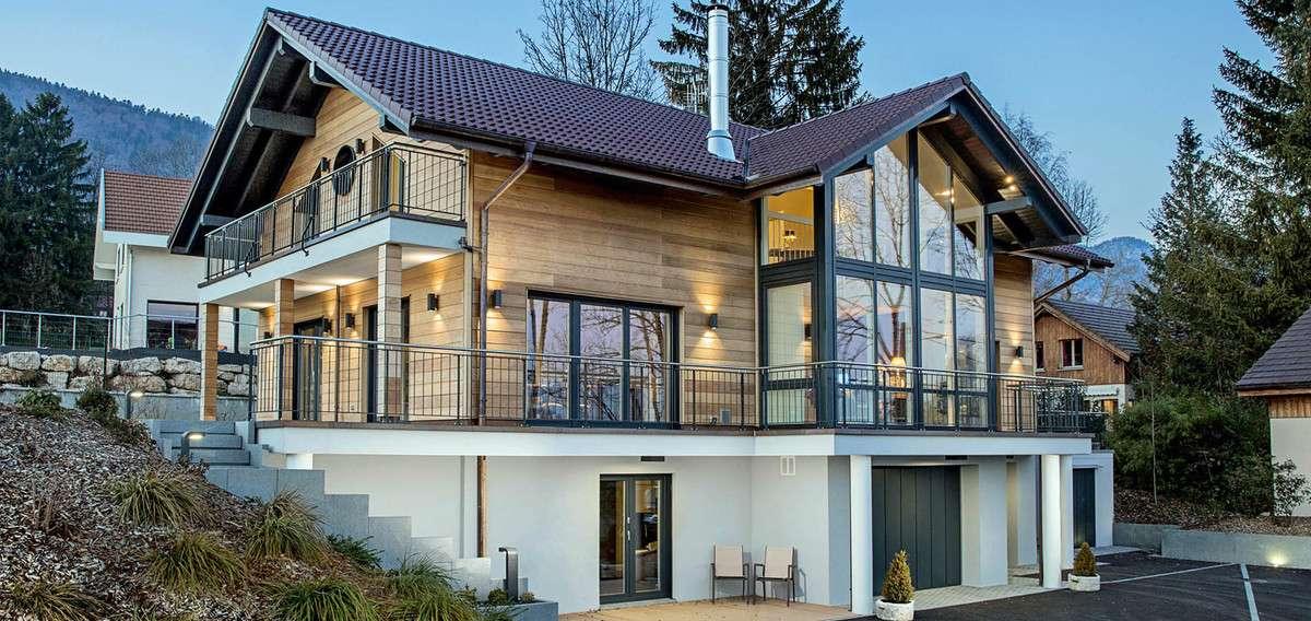 fertighaus mit keller mehr wohnfl che individuell geplant. Black Bedroom Furniture Sets. Home Design Ideas