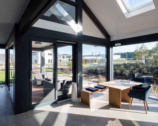 fenster beim hausbau tipps zur richtigen planung. Black Bedroom Furniture Sets. Home Design Ideas