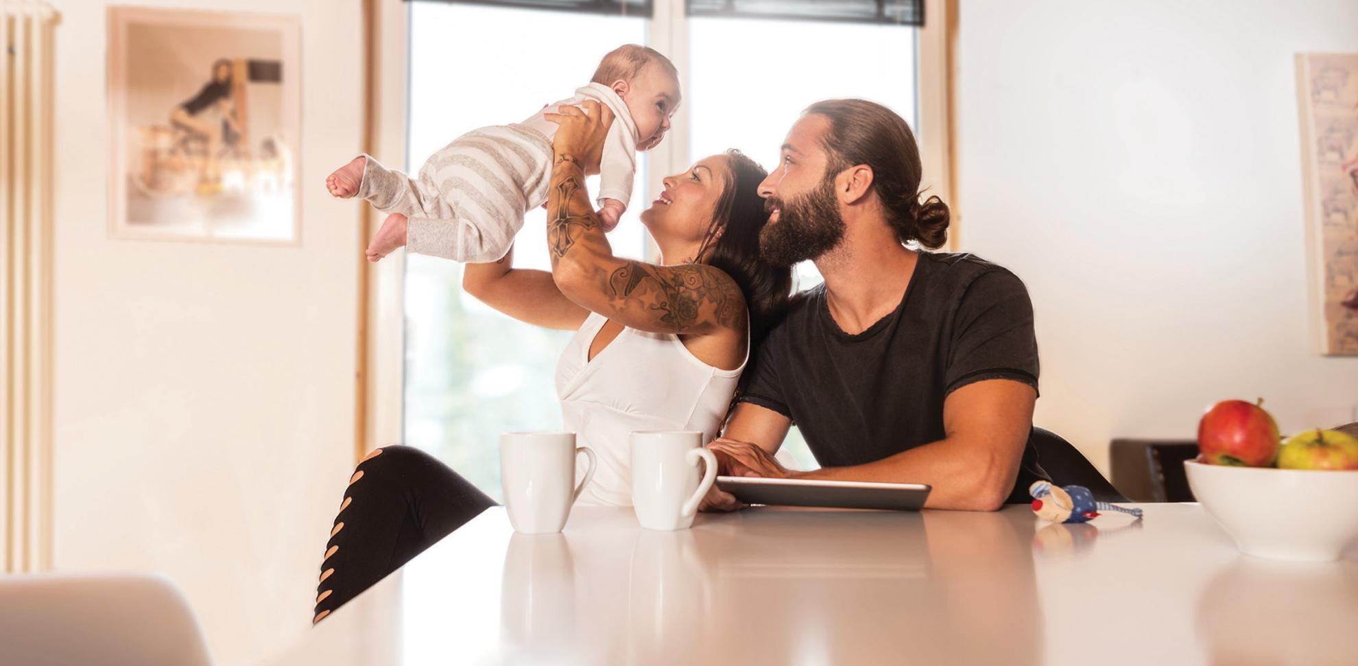 Das Glück der eigenen Familie wird im mit dem Bau des eigenen Hauses nochmal größer.