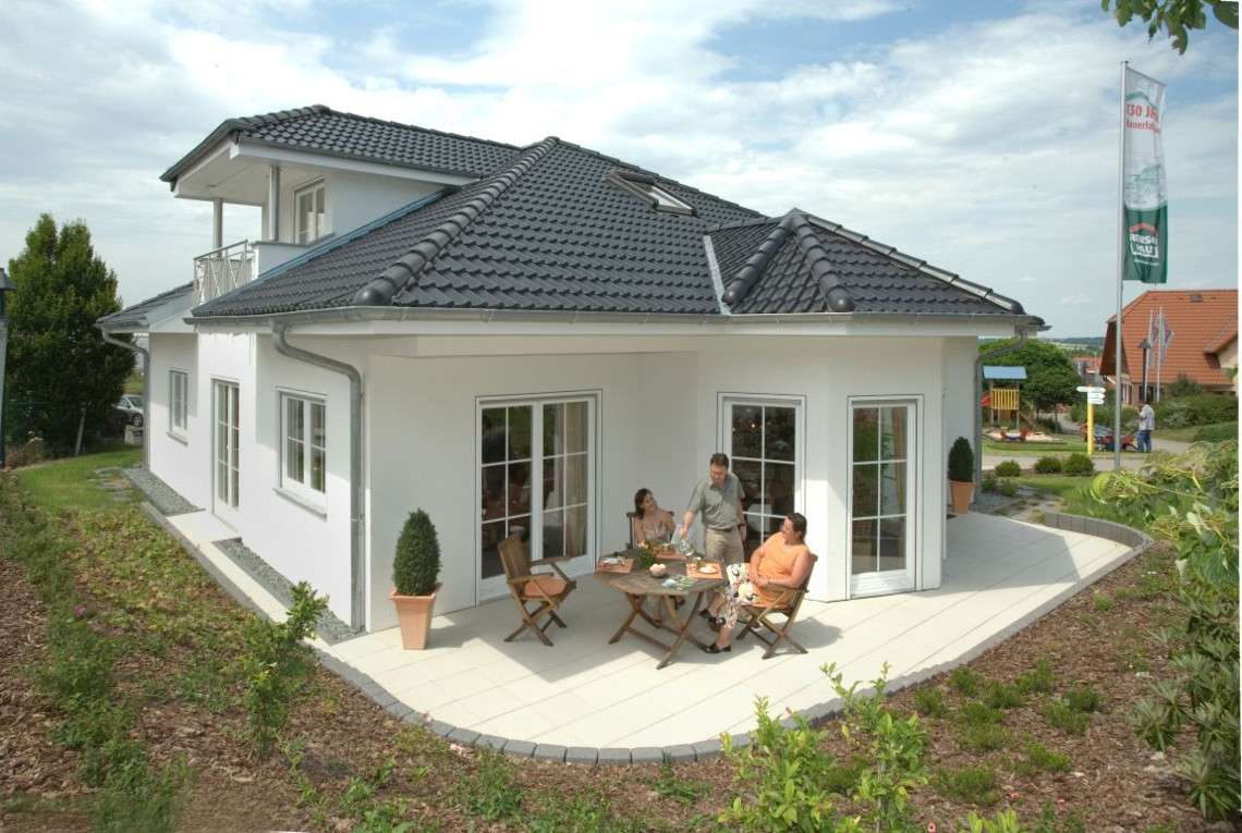 terrasse bauen oder mitsamt haus kaufen inspiration magazin. Black Bedroom Furniture Sets. Home Design Ideas