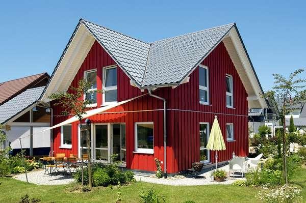 Modernes Schwedenhaus mit Satteldach